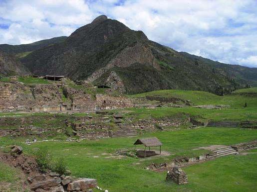 Руины Чавин де Уантар в Перу