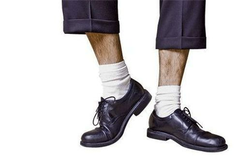 Белые носки и туфли