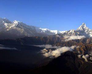 У повітряній кулі над Гімалаями, Непал