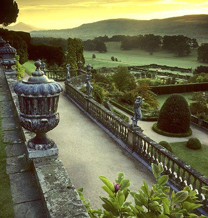 Крепость Поуис, Уэльс