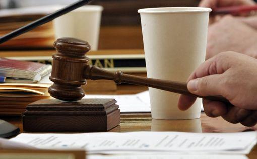 Юристы, финансовые аналитики, творческие работники