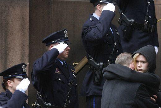 прощання з поліцейським