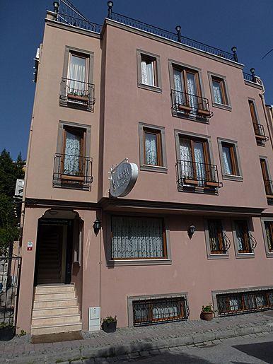 5. Agora Guesthouse & Hostel