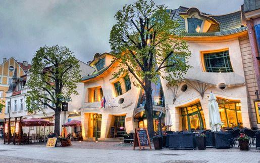 Кривой домик, Польша