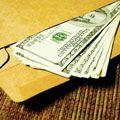 Понад половина українців платить хабарі у вузах
