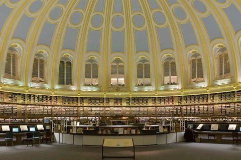 Читальный зал библиотеки Британского музея, Лондон, Англия