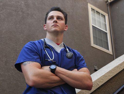 Большая половина работников здравоохранения