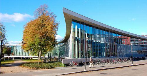 иблиотека города Хальмстад, Швеция